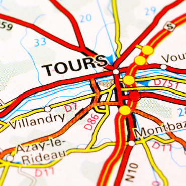 Paris to Tours One way Private Transfer Trip, with Optional Tourist Stops (TRF-TOURS)