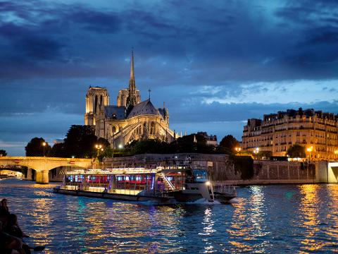 Seine River Cruise and Show at the Moulin Rouge (EX18)