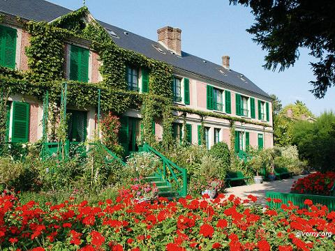 Small-Group Day Trip to Giverny and Versailles from Paris (EX9B)