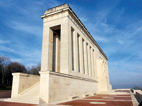 Private Tour from Paris to Belleau Wood including Aisne-Marne Cemetery and Museum of the Great War (T77-VIP)