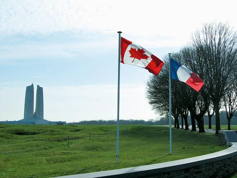 Day Trip from Paris to Vimy Ridge in a Small Group (EX62)