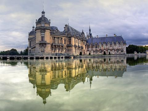 Half-day Private Tour to Chantilly Castle from Paris (T60-VIP)