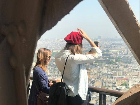 Skip-the-Ticket-Line: Eiffel Tower Summit Access and Seine River Cruise (EXTEBPTOP)