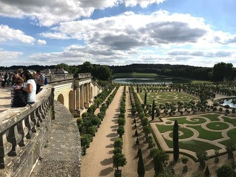 Half day Palace of Versailles tour with Guided Visit and access to the gardens (VTG)